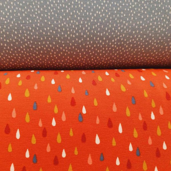 Rain Drops On Rust – Jersey